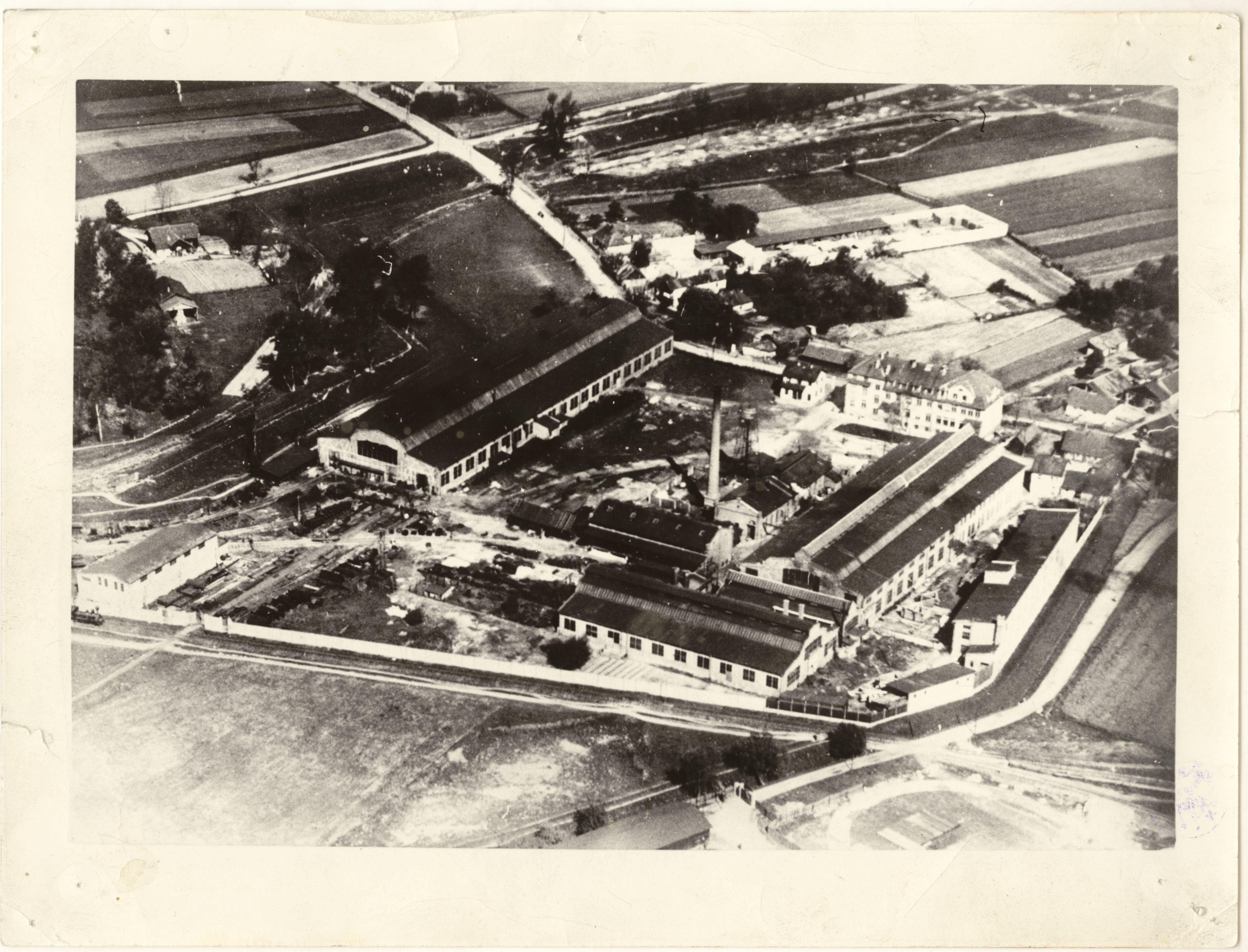 fabryka-maszyn-i-wagonow-l-zieleniewski-fotografia-lotnicza-autor-fot-nieznany-okolo-1920