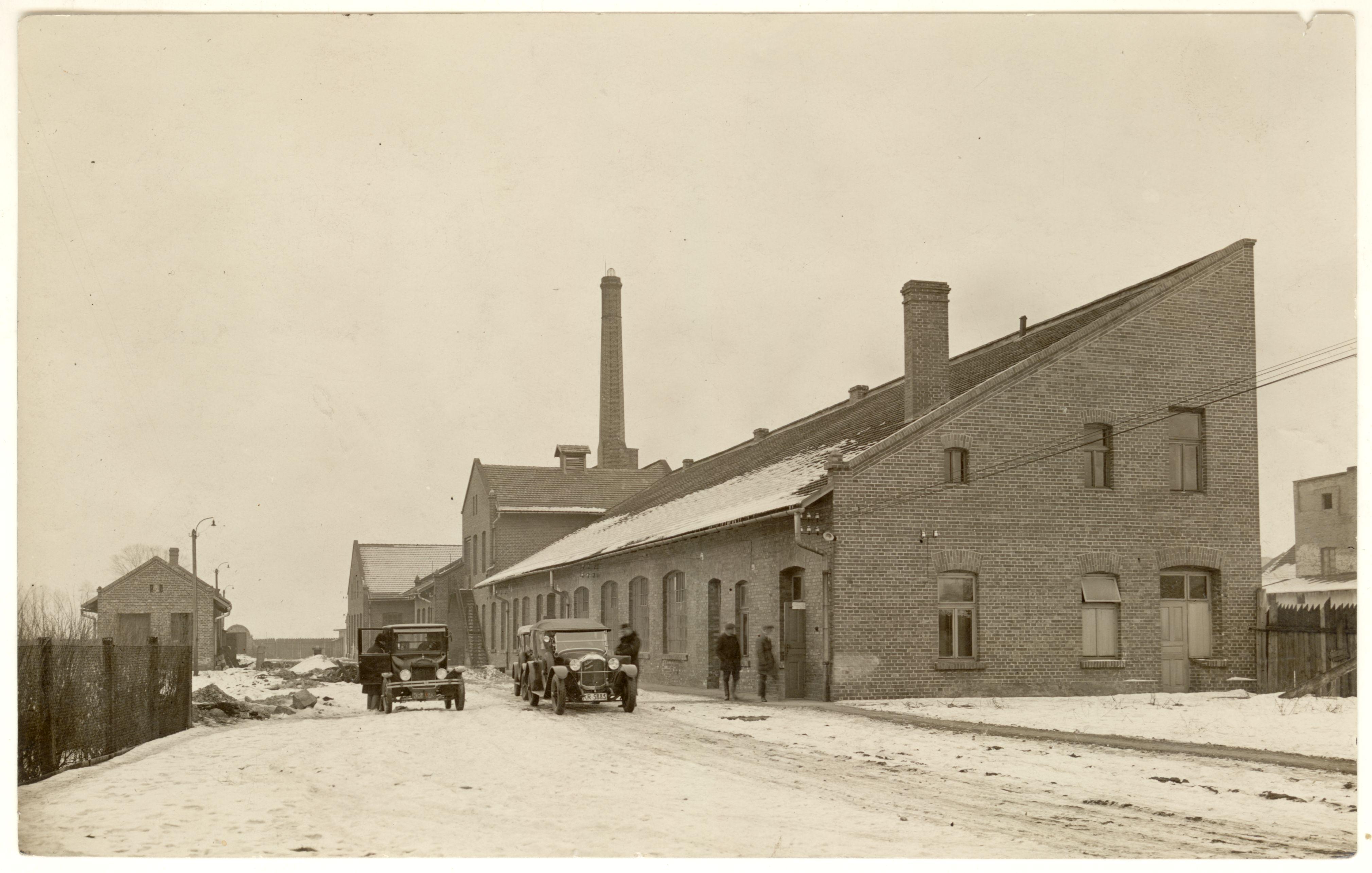 fabryka-wyrobow-gumowych-berson-fot-agencja-fotograficzna-swiatowid-lata-30-xx-w